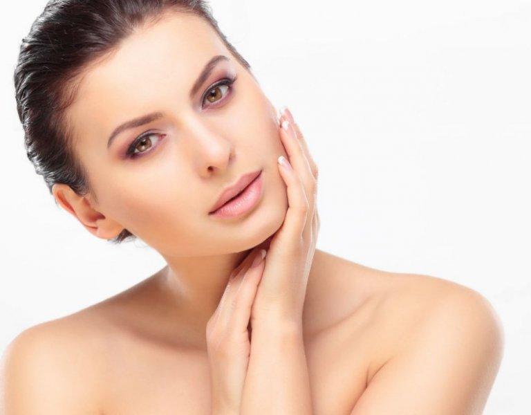 خطوات علاج البشرة المختلطة بتقنية  Multi Masking  - مجلة هي