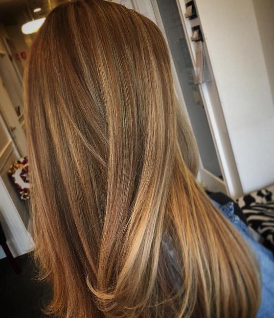 طريقة خلط ألوان صبغة الشعر للحصول على اللون العسلي - مجلة هي