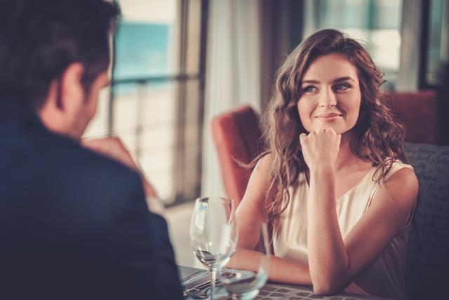 ما هي علامات تحول الصداقة الى حب عند المرأة