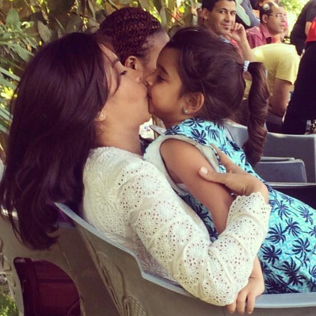 شيرين عبد الوهاب تحتفل بعيد ميلاد ابنتها  هنا ..شاهدوا أجمل صورهما - مجلة هي
