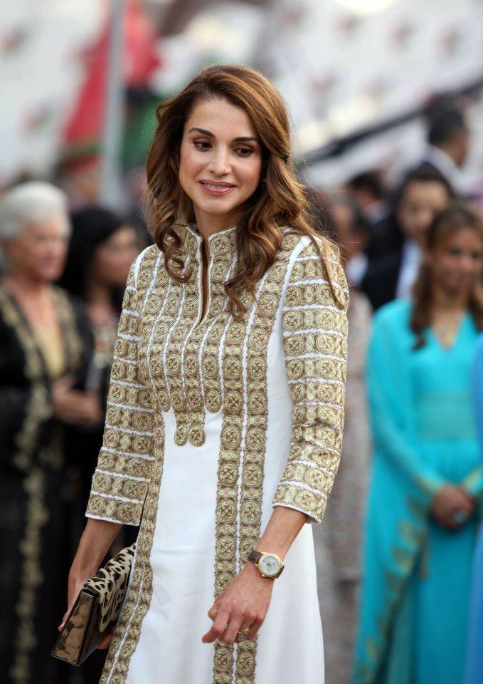 8508482dbbe8e اناقة الملكة رانيا في عيدها .. فريدة و متألقة - مجلة هي