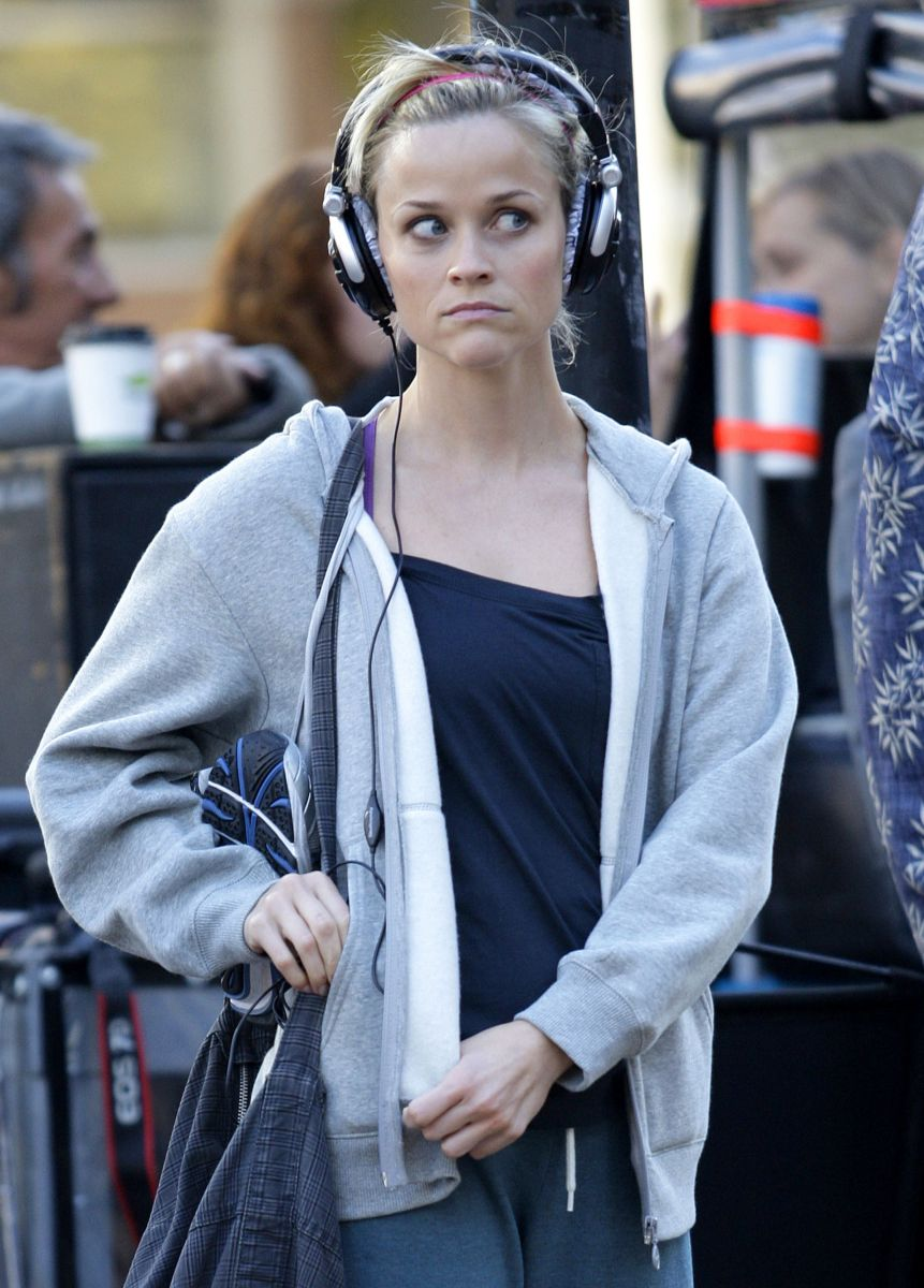 Reese Witherspoon sweating