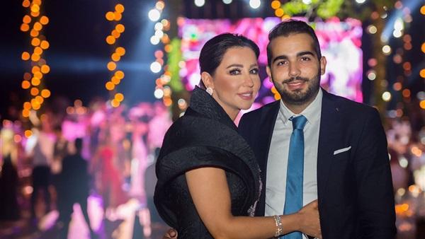 رابعة الزيات مع ابنها