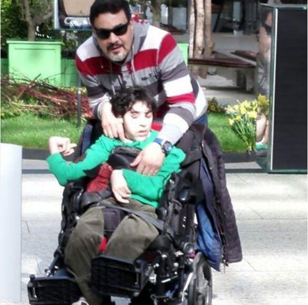 مها احمد وابنها المعوق