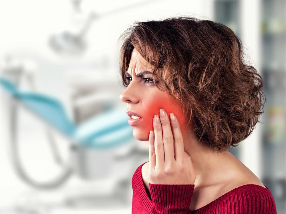 طرق بسيطة لتخفيف ألم الأسنان